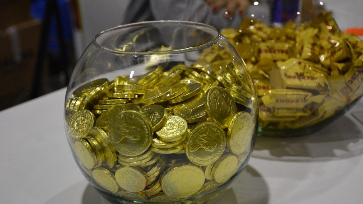 VDB16 – Silver sponsor with gold coins
